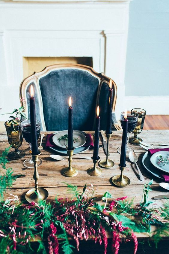 03-black-candles-and-moody-florals-for-the-refined-tablescape